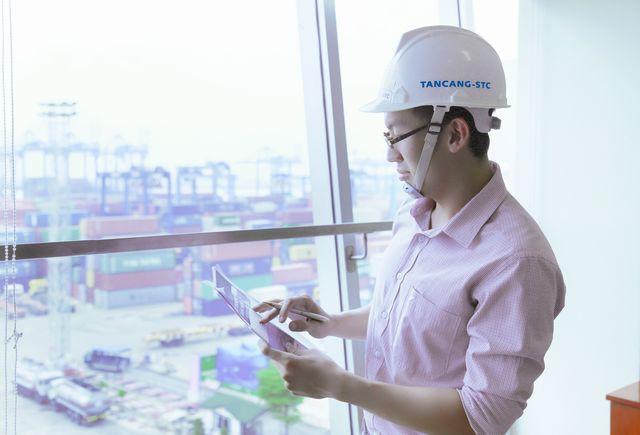 Quản trị kinh doanh đứng top các ngành thí sinh chọn xét tuyển vào UEF - Ảnh 1.