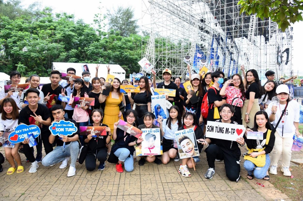 Sơn Tùng M-TP và dàn sao đình đám khuấy động Đại nhạc hội tại Cần Thơ - Ảnh 7.