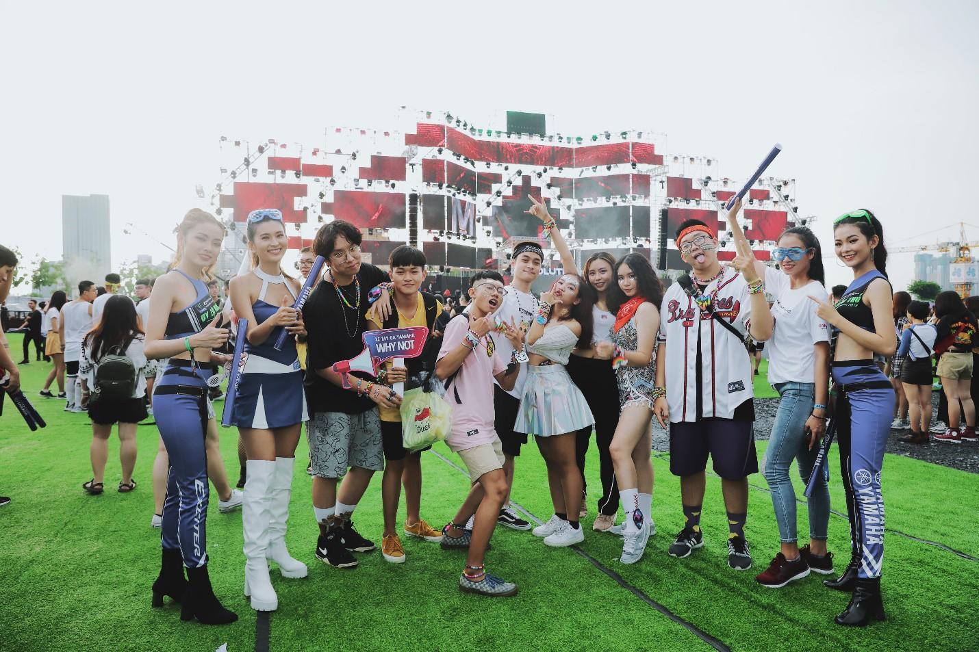 """DJ Minh Trí, Huy DX cùng 4 phù thủy EDM hàng đầu thế giới """"quẩy tung"""" đại hội âm nhạc tại Sài Gòn - Ảnh 6."""