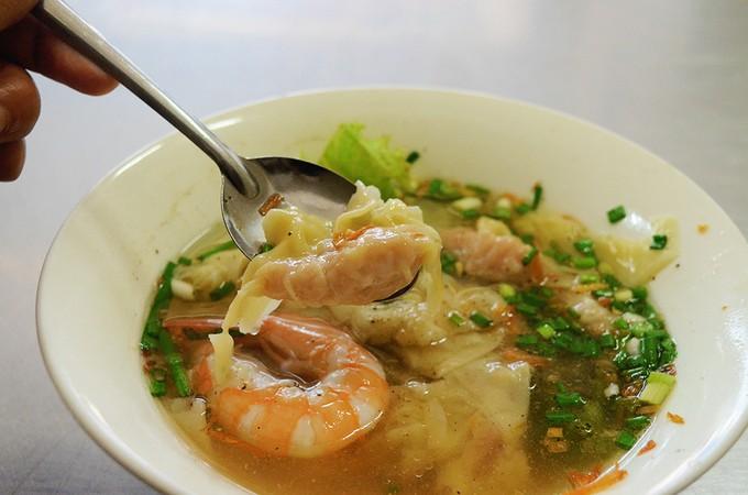 """""""Hễ ăn là ghiền"""", 5 món gốc Hoa làm tan chảy vị giác mọi tín đồ ẩm thực ở Sài Gòn - Ảnh 2."""