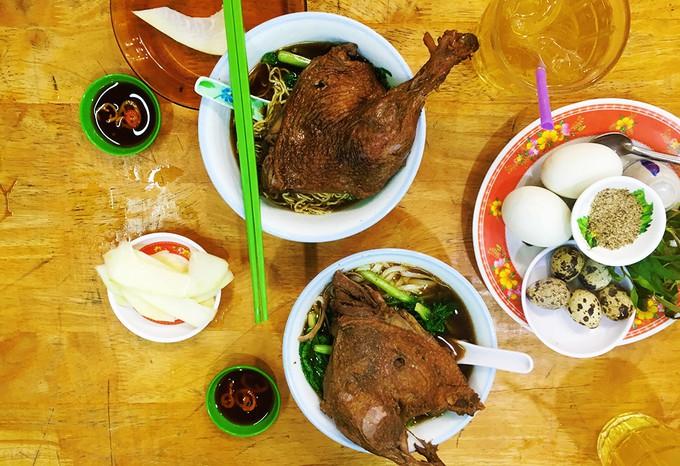 """""""Hễ ăn là ghiền"""", 5 món gốc Hoa làm tan chảy vị giác mọi tín đồ ẩm thực ở Sài Gòn - Ảnh 4."""