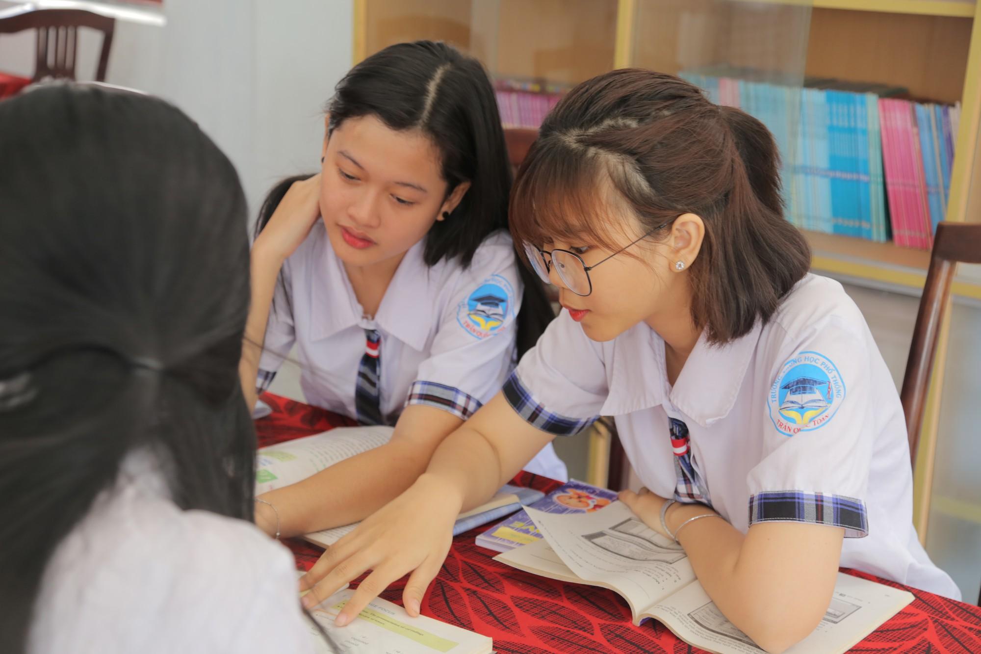 Hệ thống trường THCS THPT Trần Cao Vân tăng cường đầu tư vào trường THPT Trần Quốc Toản - Ảnh 2.