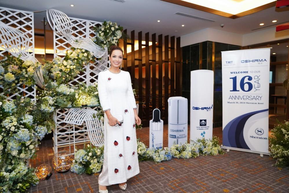 Người mẫu Thúy Hạnh, diễn viên Cát Phượng, Hải Yến cùng dàn nghệ sĩ Việt xuất hiện rạng ngời tại sự kiện - Ảnh 1.
