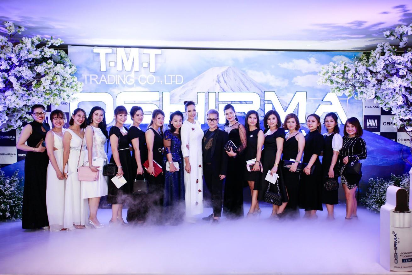 Người mẫu Thúy Hạnh, diễn viên Cát Phượng, Hải Yến cùng dàn nghệ sĩ Việt xuất hiện rạng ngời tại sự kiện - Ảnh 12.