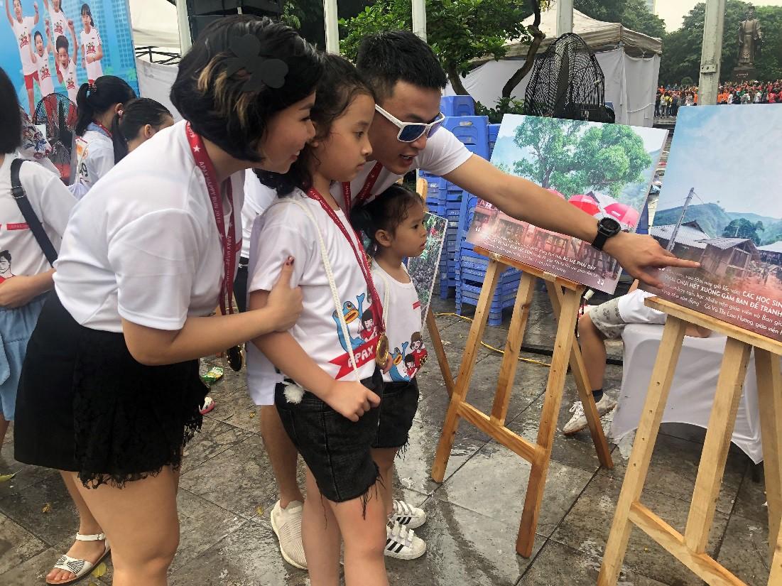 Gia đình diễn viên Mạnh Trường, Hồng Đăng hào hứng tham gia giải chạy Apax Happy Run - Đường chạy hạnh phúc - Ảnh 3.