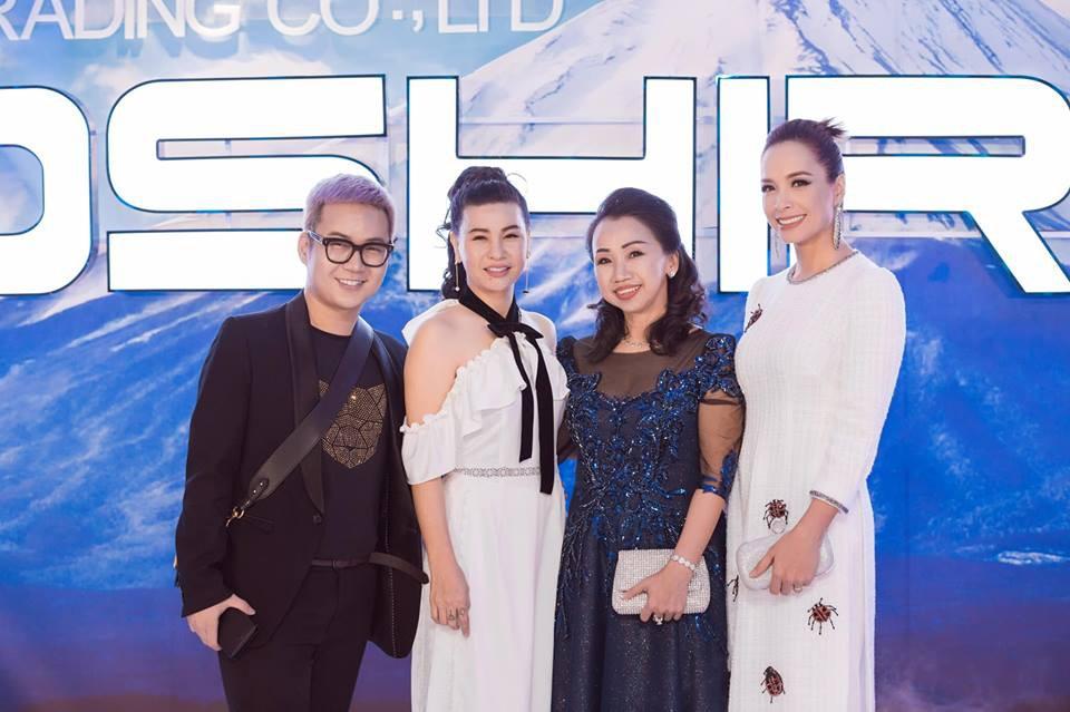 Người mẫu Thúy Hạnh, diễn viên Cát Phượng, Hải Yến cùng dàn nghệ sĩ Việt xuất hiện rạng ngời tại sự kiện - Ảnh 11.
