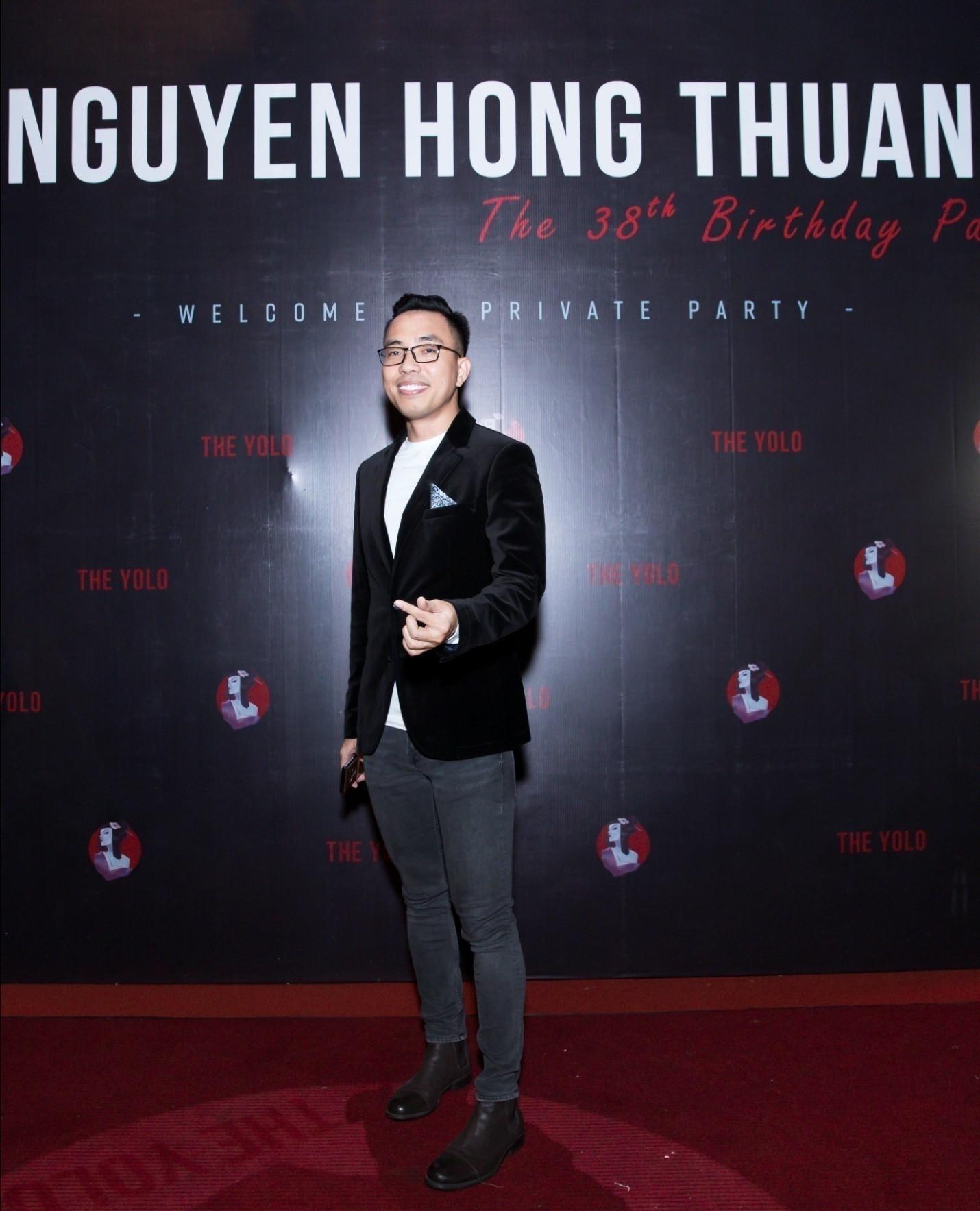 Có gì trong điểm giải trí mà nhạc sĩ Nguyễn Hồng Thuận chi đậm tổ chức sinh nhật? - Ảnh 1.