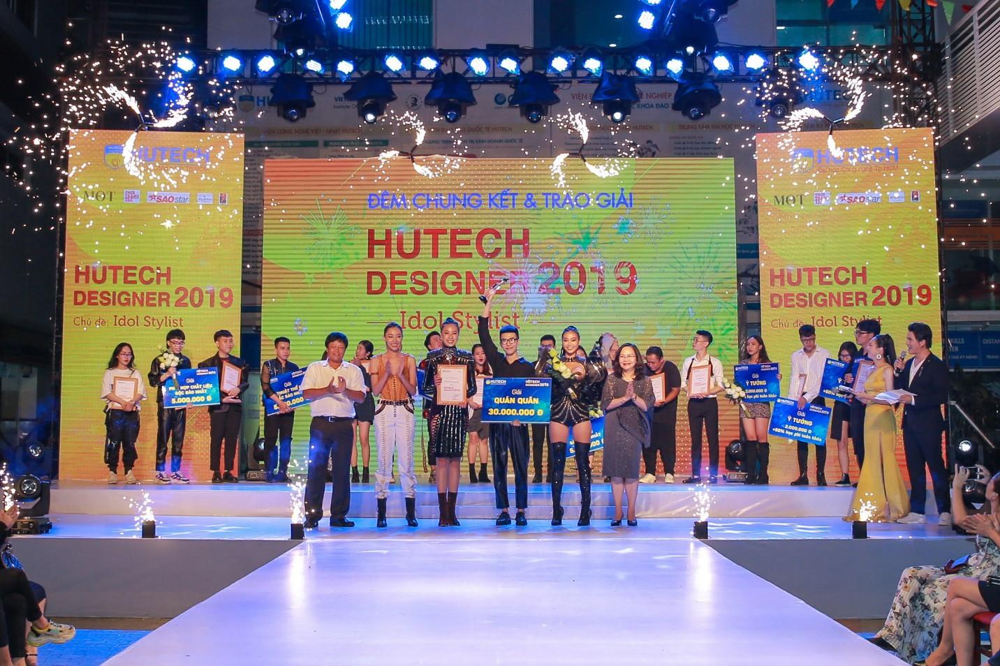 """Quán quân HUTECH Designer 2019 đăng quang với ý tưởng """"lạ"""" - Mũ giáp Kabuto - Ảnh 3."""