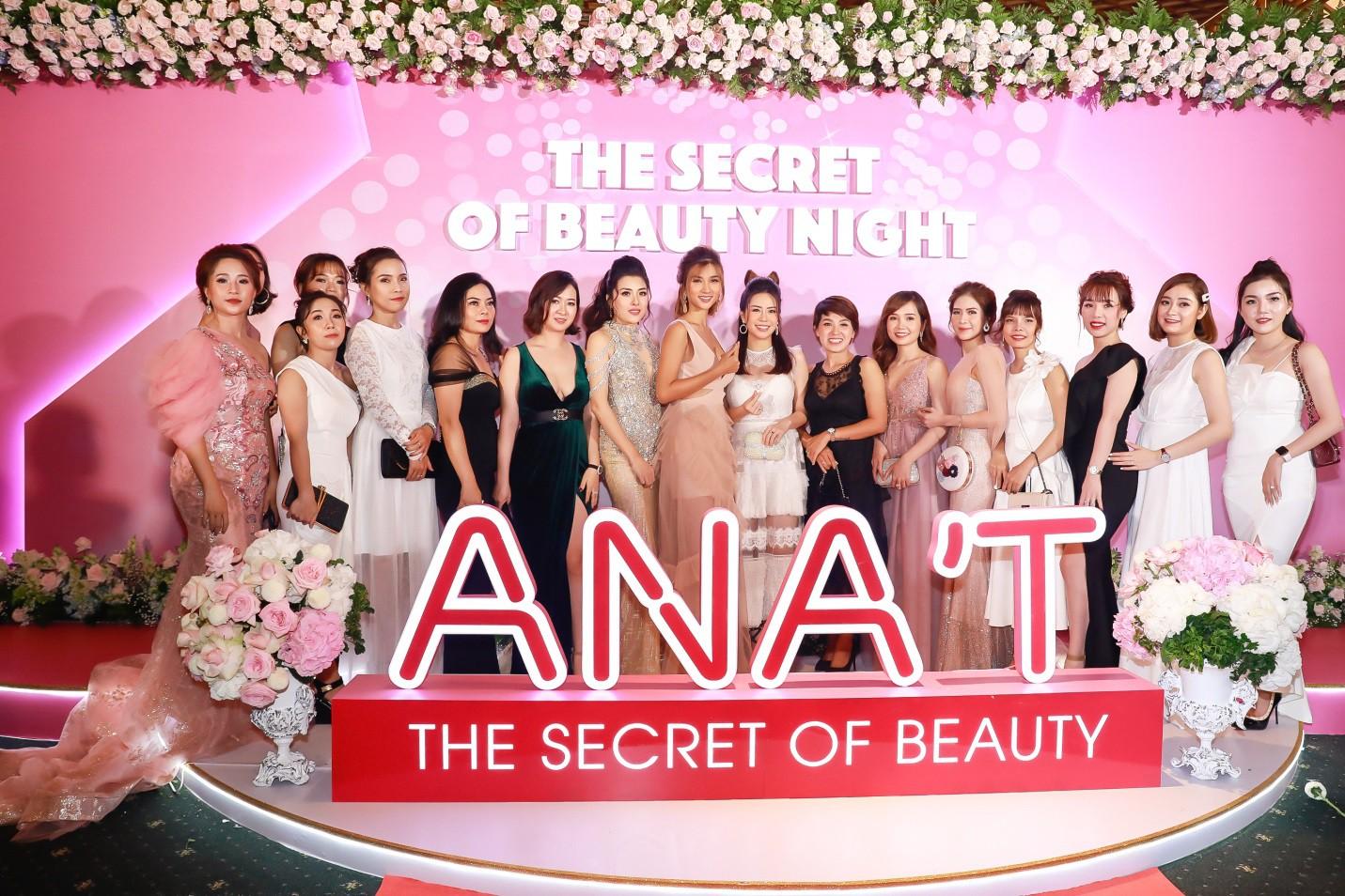Bích Phương cùng dàn hot face đình đám tụ hội tại sự kiện ra mắt thương hiệu mỹ phẩm ANA'T - Ảnh 1.