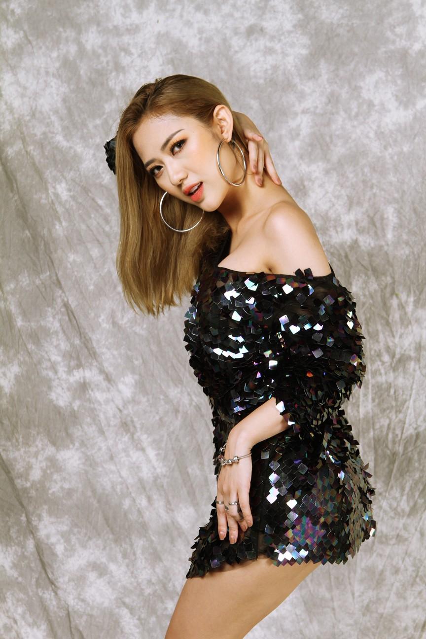 Trang Cherry lấn sân ca hát, lần đầu kết hợp cùng nhạc sĩ Aitai - Ảnh 2.