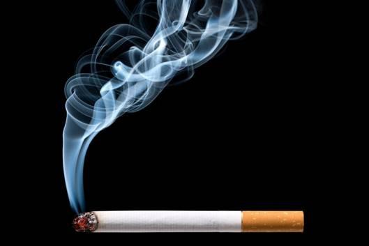 Nước súc miệng Hoa Nam hỗ trợ người cai thuốc lá ngăn ngừa vi khuẩn gây chảy máu chân răng - Ảnh 1.