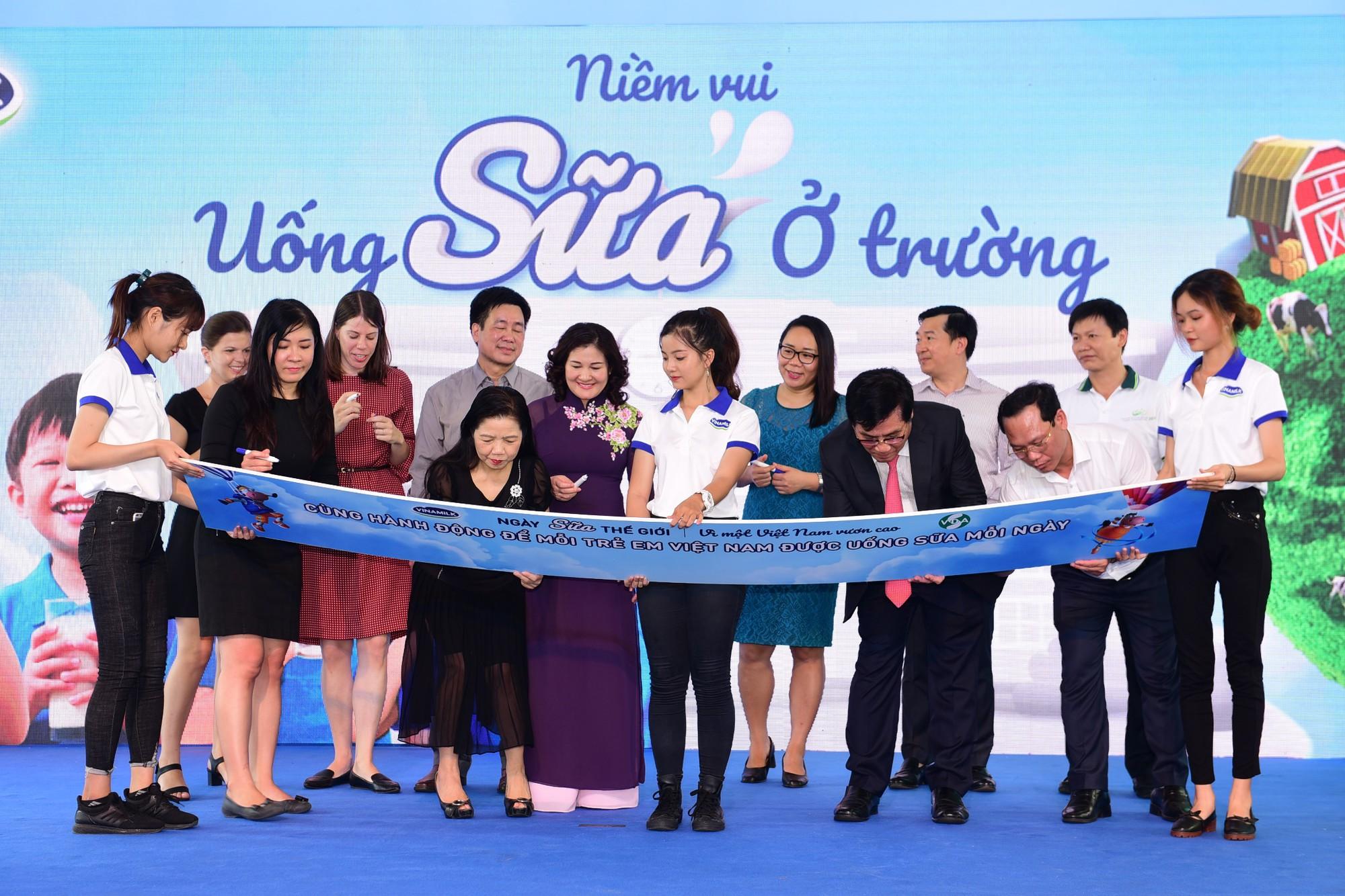Công bố chủ đề hưởng ứng Ngày sữa thế giới, Vinamilk tiếp tục nỗ lực vì một Việt Nam vươn cao - Ảnh 1.