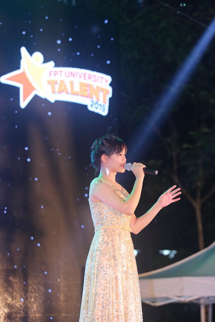 """Nữ sinh Hà Nội """"đốn tim"""" Noo Phước Thịnh giành Quán quân cuộc thi tài năng ĐH FPT - Ảnh 6."""