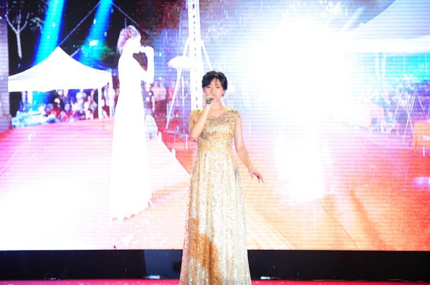 """Nữ sinh Hà Nội """"đốn tim"""" Noo Phước Thịnh giành Quán quân cuộc thi tài năng ĐH FPT - Ảnh 7."""