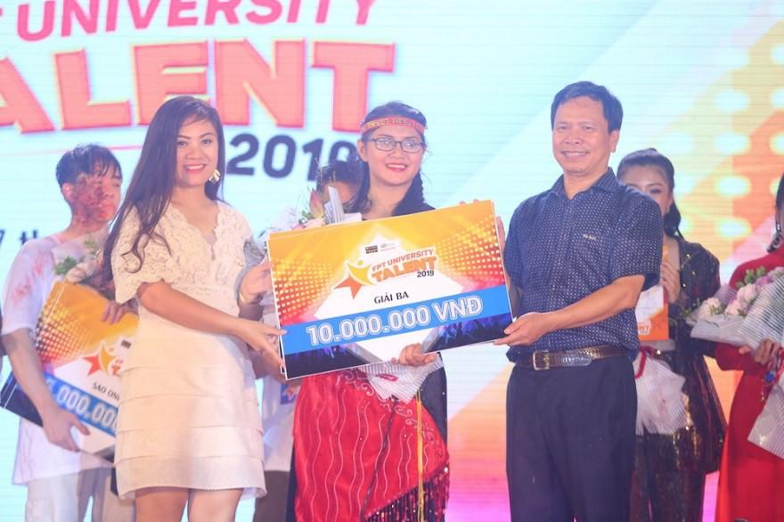 """Nữ sinh Hà Nội """"đốn tim"""" Noo Phước Thịnh giành Quán quân cuộc thi tài năng ĐH FPT - Ảnh 8."""