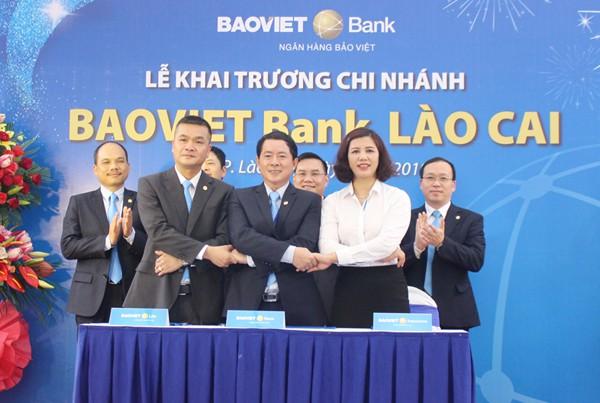 BAOVIET Bank khai trương chi nhánh đầu tiên tại Lào Cai - Ảnh 1.