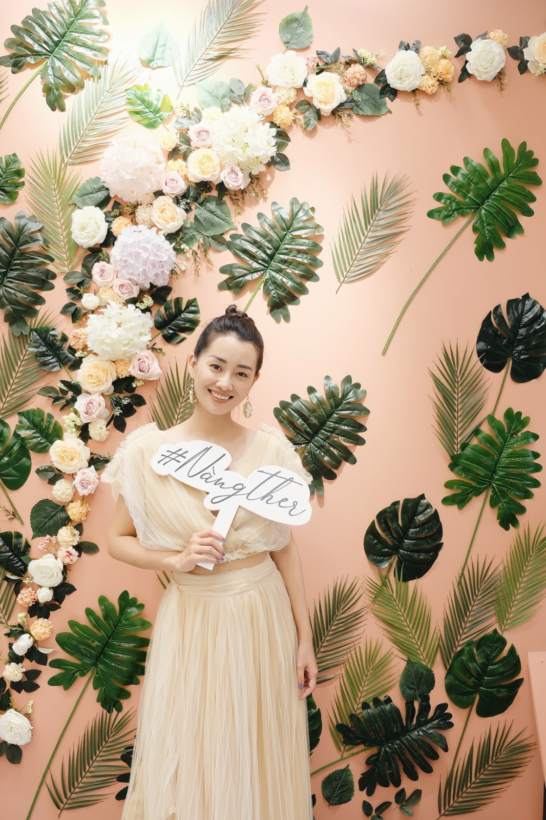 MC Quỳnh Chi ra mắt thương hiệu thời trang Ther Design - Ảnh 1.