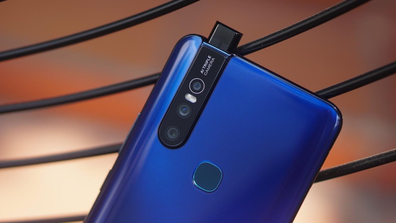 """Cuối tuần làm gì mà không """"săn"""" smartphone Vivo mới nhất, giá """"hạt dẻ"""" tại Thế Giới Di Động - Ảnh 1."""
