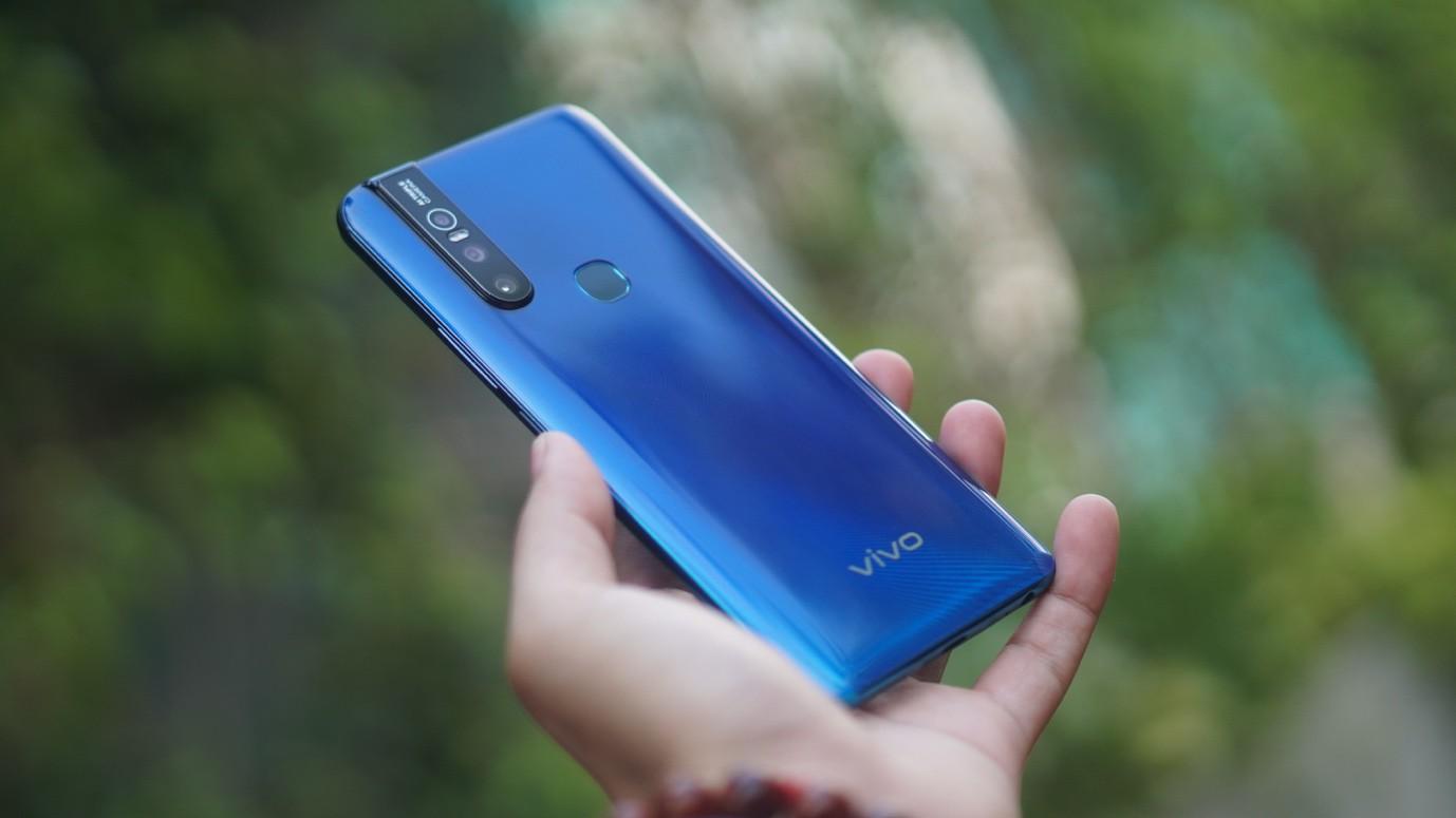 """Cuối tuần làm gì mà không """"săn"""" smartphone Vivo mới nhất, giá """"hạt dẻ"""" tại Thế Giới Di Động - Ảnh 2."""