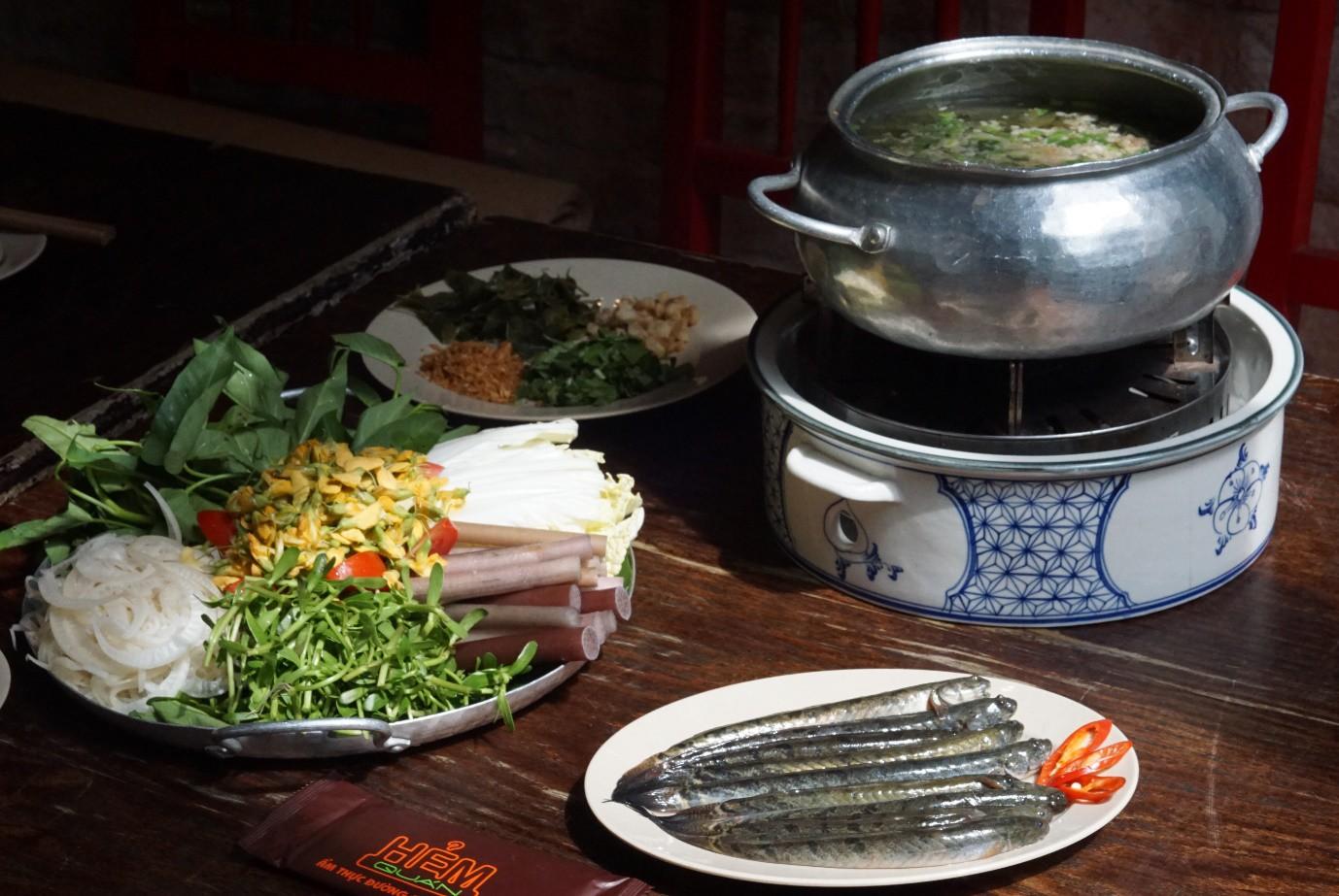 Hẻm Quán: Văn hoá ẩm thực Sài Gòn giữa lòng Hà Nội - Ảnh 1.