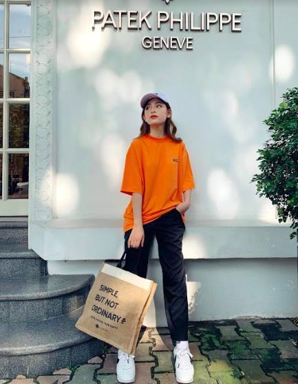 """Cool như Sao Việt: Lùng ngay chiếc túi vải """"vedette này sử dụng để vừa xinh đẹp, vừa trendy, vừa bảo vệ môi trường - ảnh 6"""