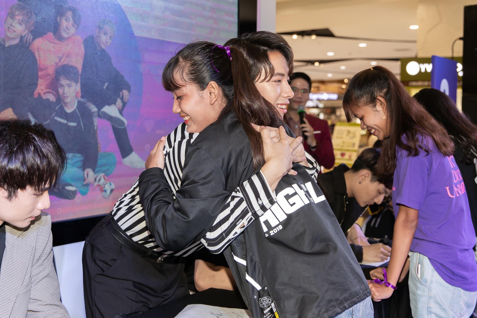 Vừa công bố FC Online, Monstar liền tổ chức ký tặng cho fan cứng - Ảnh 3.