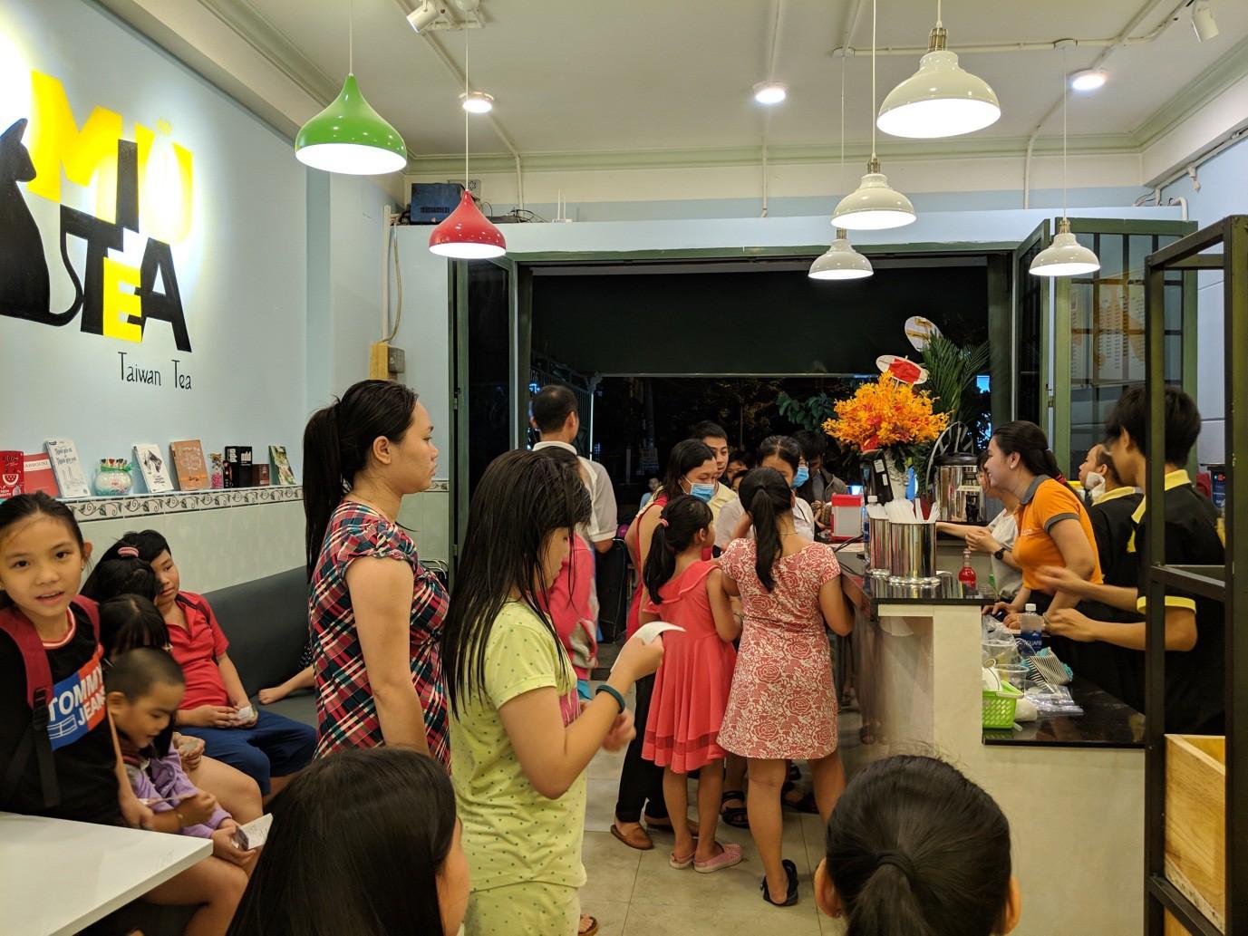 Cùng cạ cứng truy lùng chuỗi cửa hàng trà sữa made in Vietnam hot hit mùa hè - Ảnh 8.