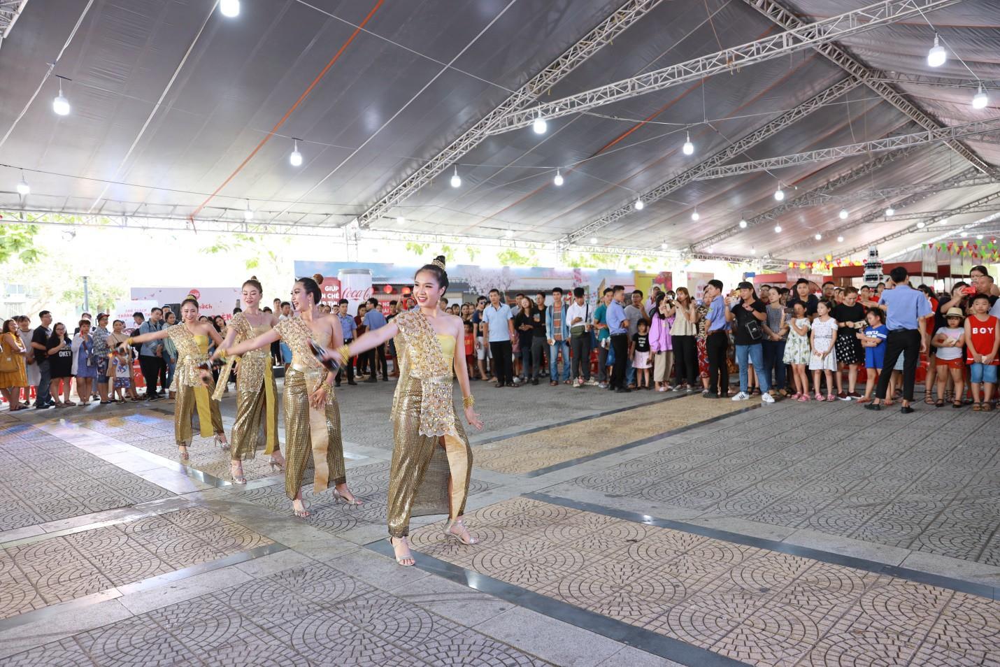 Hàng trăm tín đồ ẩm thực Việt thỏa mãn hết nấc vì được đắm mình trong thiên đường của ngon vật lạ! - Ảnh 8.