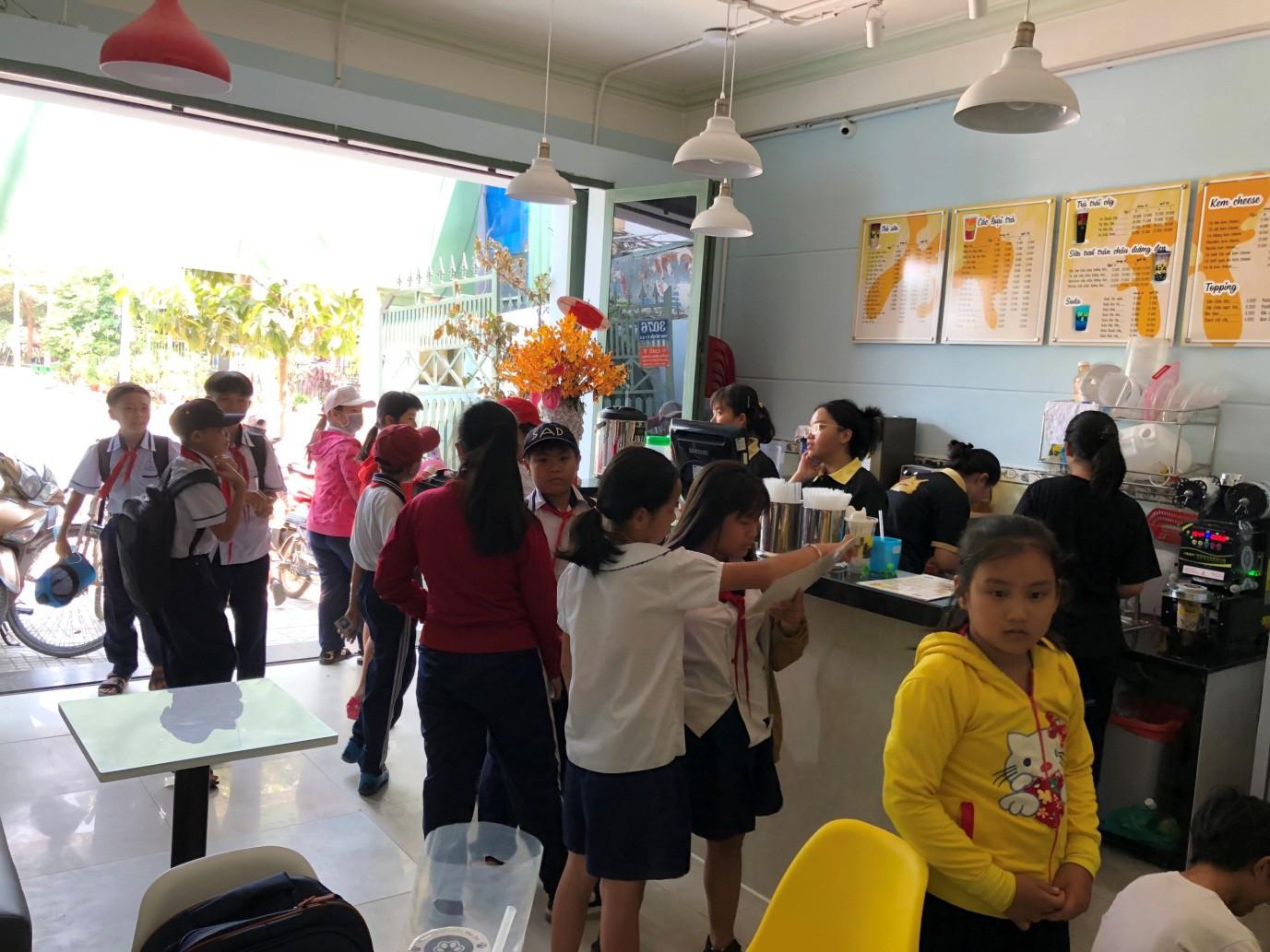 Cùng cạ cứng truy lùng chuỗi cửa hàng trà sữa made in Vietnam hot hit mùa hè - Ảnh 9.