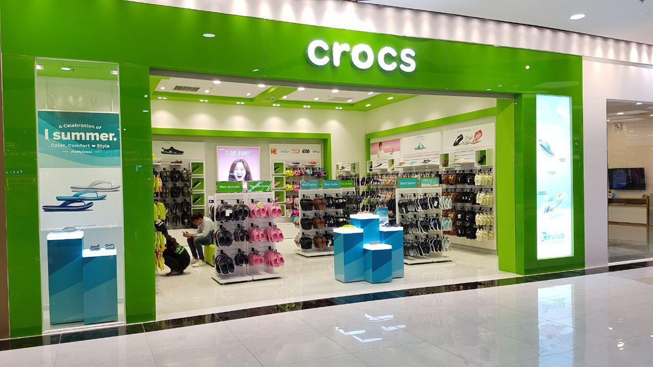 Crocs khai trương cửa hàng lớn nhất hệ thống tại TTTM Vincom Thảo Điền - Ảnh 1.