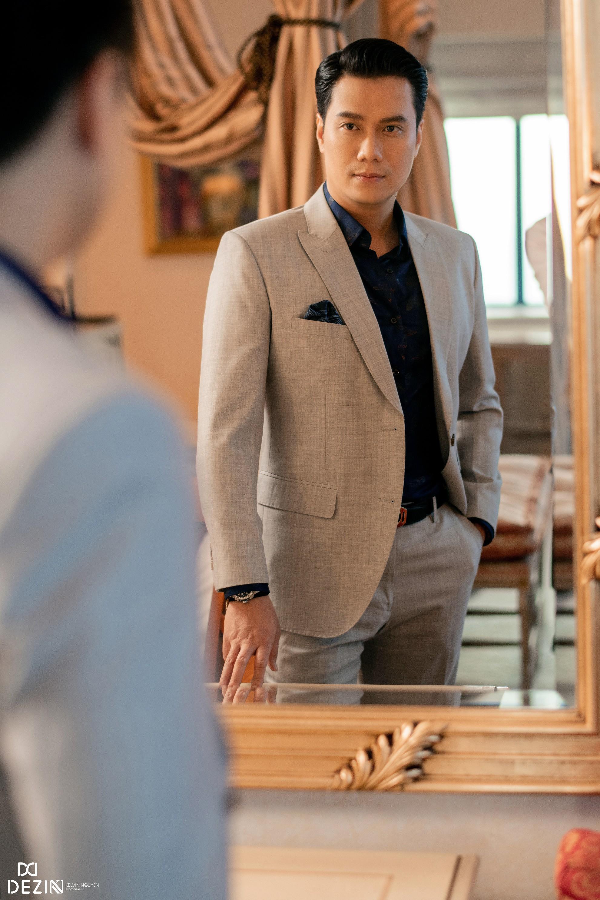Đều mặc vest DEZI, Đông Hòa trong phim lẫn Việt Anh ngoài đời cùng khiến khán giả mê mệt với phong cách lịch lãm chuẩn soái ca - Ảnh 6.