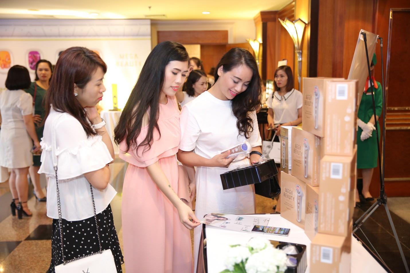 Bất ngờ kép đến từ Naris: Đại sứ thương hiệu Đỗ Mỹ Linh, tuyệt tác công nghệ làm đẹp Nhật Bản lần đầu có mặt tại Việt Nam - Ảnh 9.