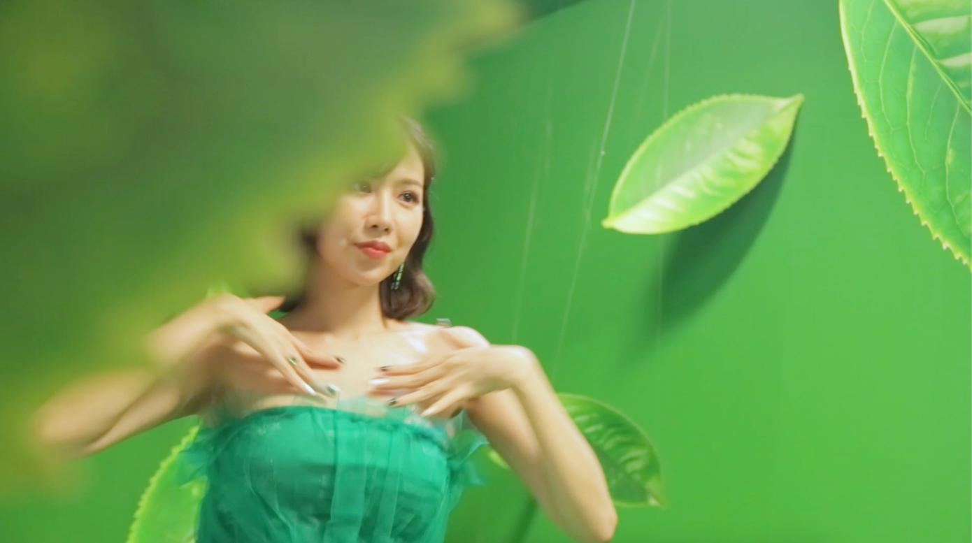 Bất ngờ rò rỉ clip Min quẩy cực sung: Min vẫn xinh nhưng sự chú ý của fan lại tập trung vào điểm đặc biệt này! - Ảnh 2.
