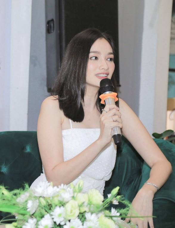 """Hoa hậu Trúc Diễm: Mải miết chăm sóc da mặt, đâu ngờ rằng da cơ thể mới là nơi """"tố cáo"""" mình nhiều nhất - Ảnh 4."""