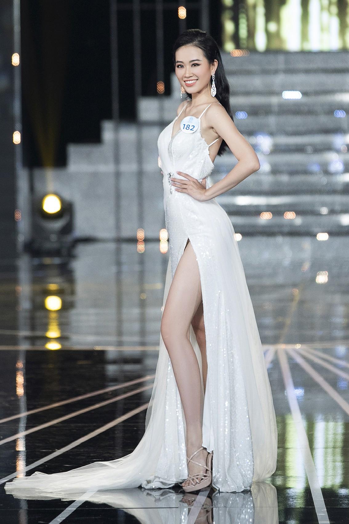 Màn dạ hội bay bổng của NTK Nguyễn Minh Tuấn trong đêm chung khảo phía Nam Miss World Việt Nam 2019 - Ảnh 7.