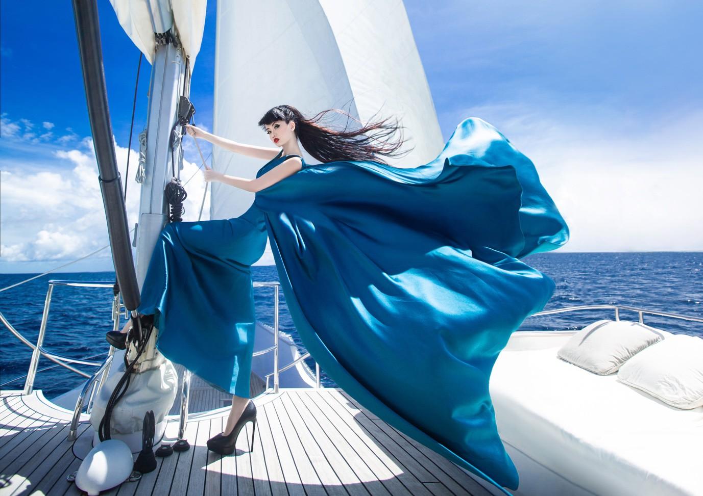 Người thổi hồn cho những kiểu tóc của Jessica Minh Anh tại Maldives - Ảnh 10.