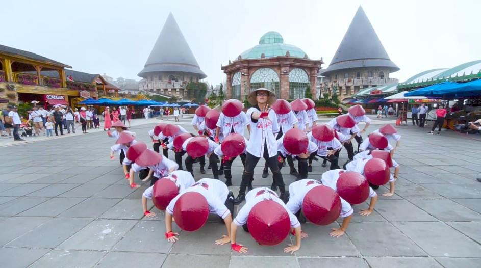 """Đoan Trang, ST Sơn Thạch, John Huy Trần làm giám khảo chung kết Flashmob 2019 – """"Sóng tuổi trẻ"""" - Ảnh 4."""