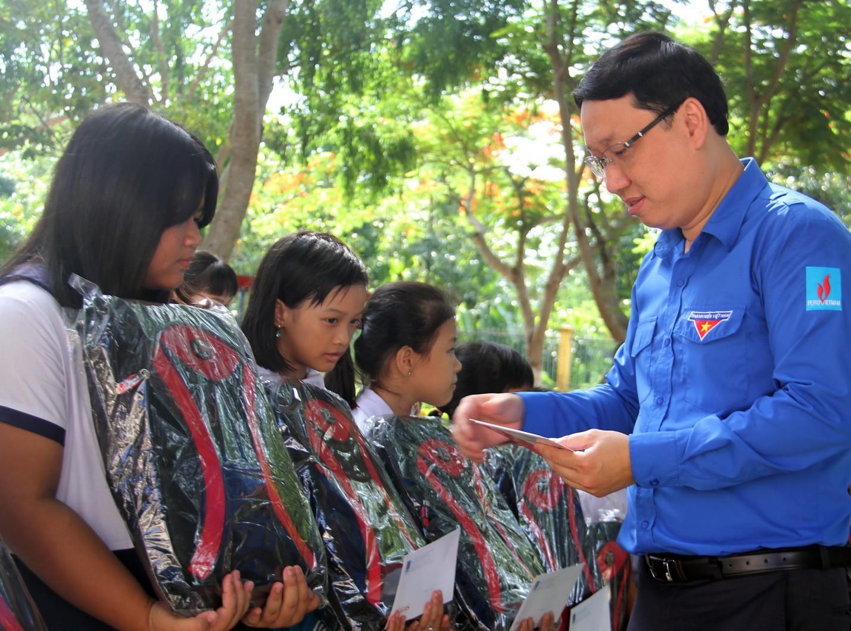 Đoàn Thanh niên PV GAS tổ chức các hoạt động chào mừng tháng 5 - Ảnh 2.