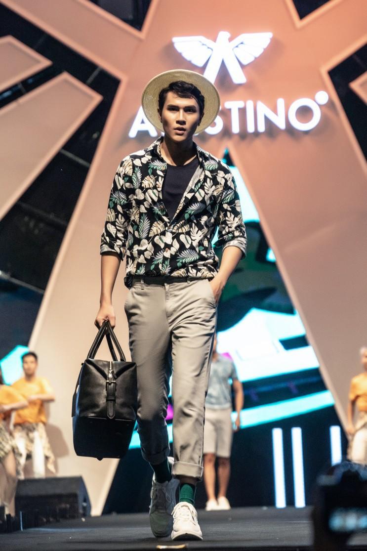 """Aristino Summer Fashion Show 2019 - Hà Anh Tuấn cùng dàn nam thần Be The Man """"phá đảo"""" Hồ Gươm - Ảnh 3."""