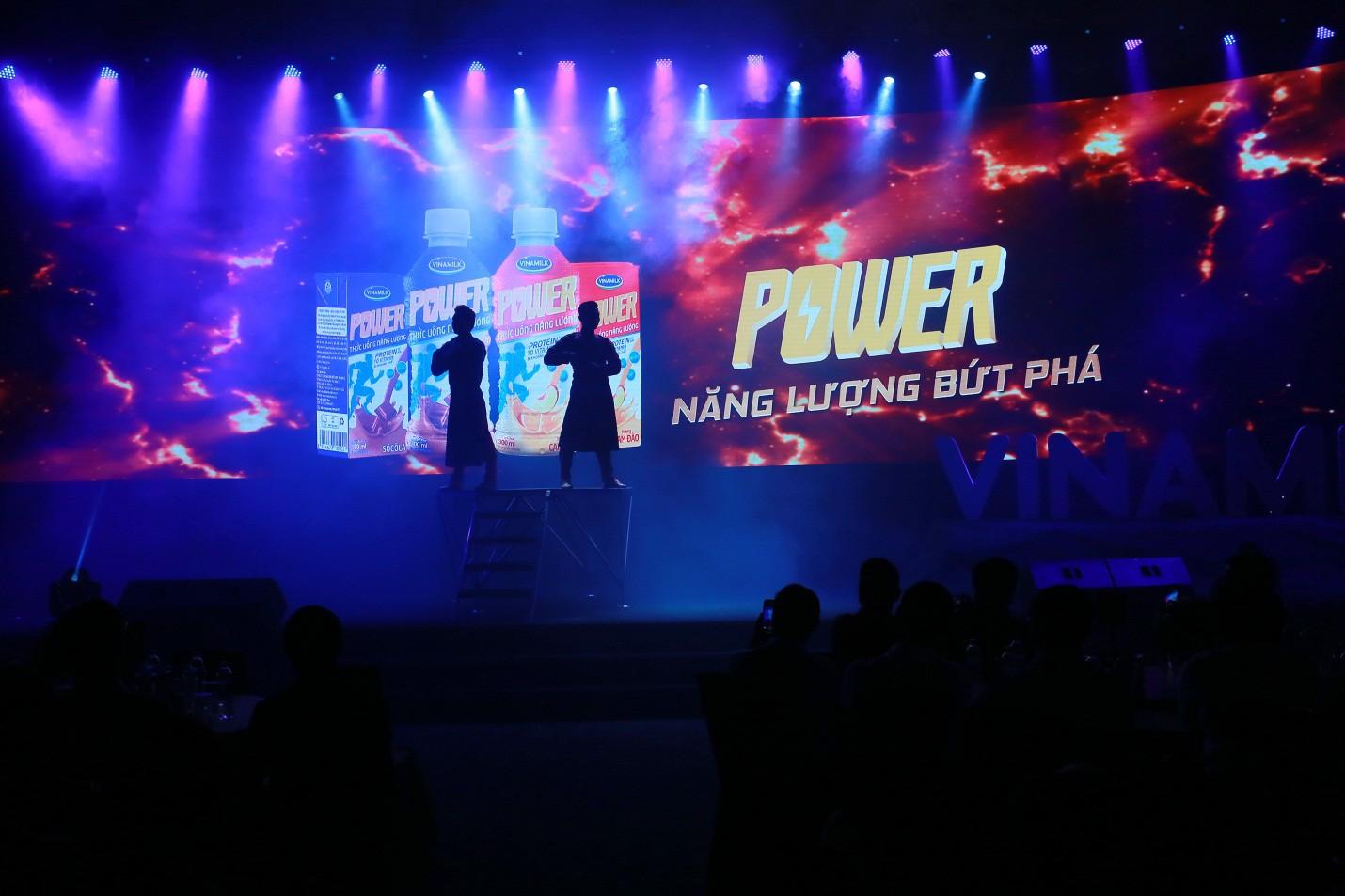 Mãn nhãn với màn trình diễn đầy năng lượng của Quốc Cơ - Quốc Nghiệp - Ảnh 2.
