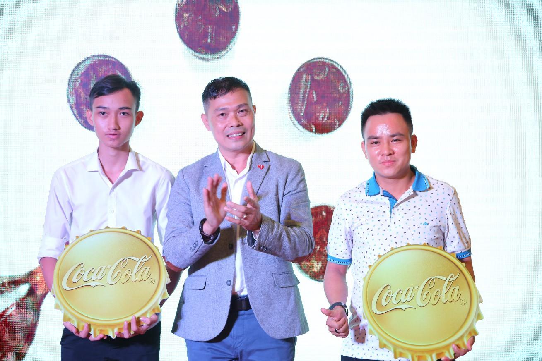 Cơn mưa vàng từ Coca-Cola: Đã đến lúc trở thành chủ nhân 5 lượng siêu to khổng lồ - Ảnh 1.