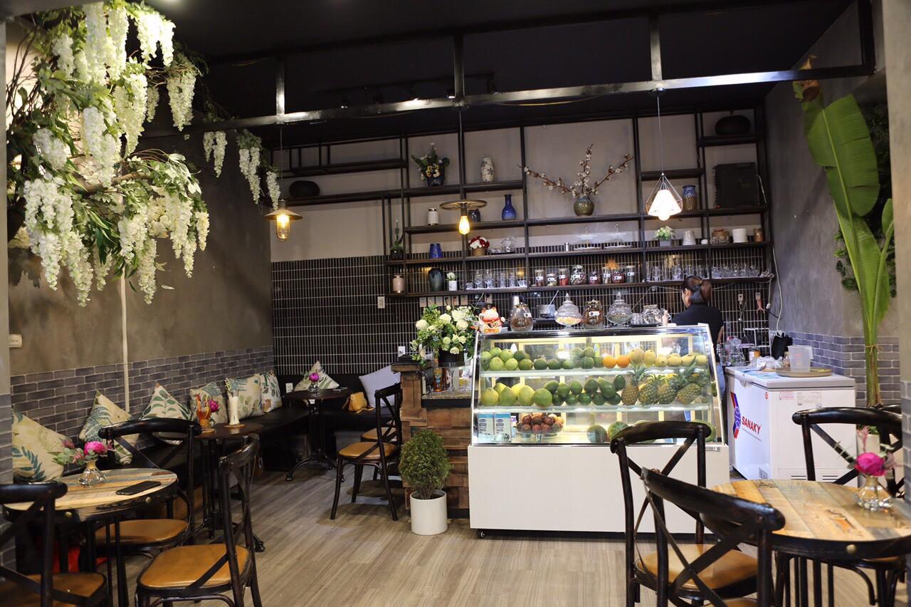 Khám phá tiệm hoa cafe đẹp như mơ trong lòng Hà Nội - Ảnh 5.