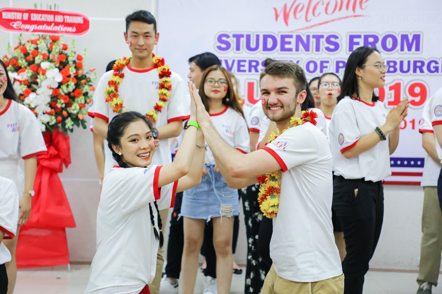 Những trải nghiệm chỉ có ở đại học song ngữ quốc tế - Ảnh 3.