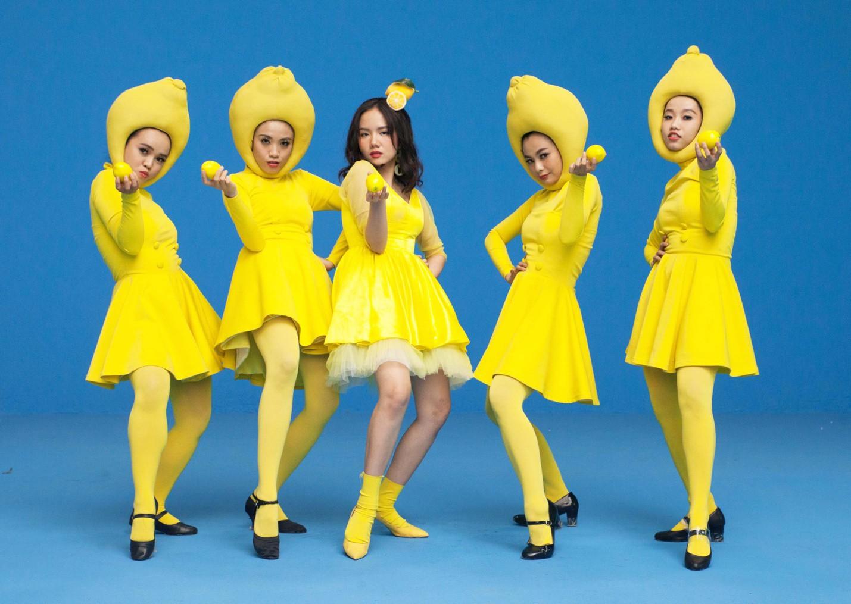 Danh hiệu trưởng fanclub bảy viên ngọc rồng chính thức thuộc về Phương Ly và Justatee vì đem cả lưỡng long nhất thể vào MV mới - Ảnh 3.