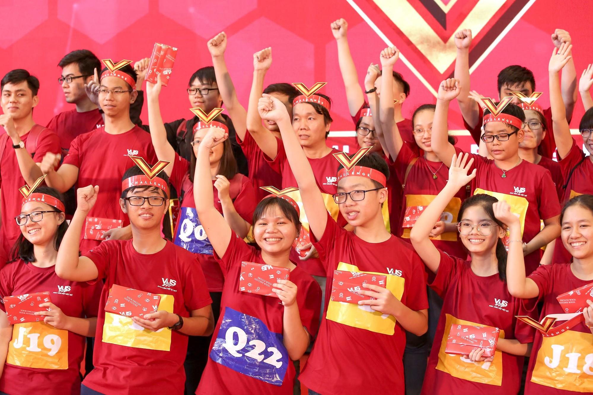 Chung kết V-Challenge 2019: Thử thách trí tuệ đầy hấp dẫn với 608 bạn trẻ học viên VUS - Ảnh 7.