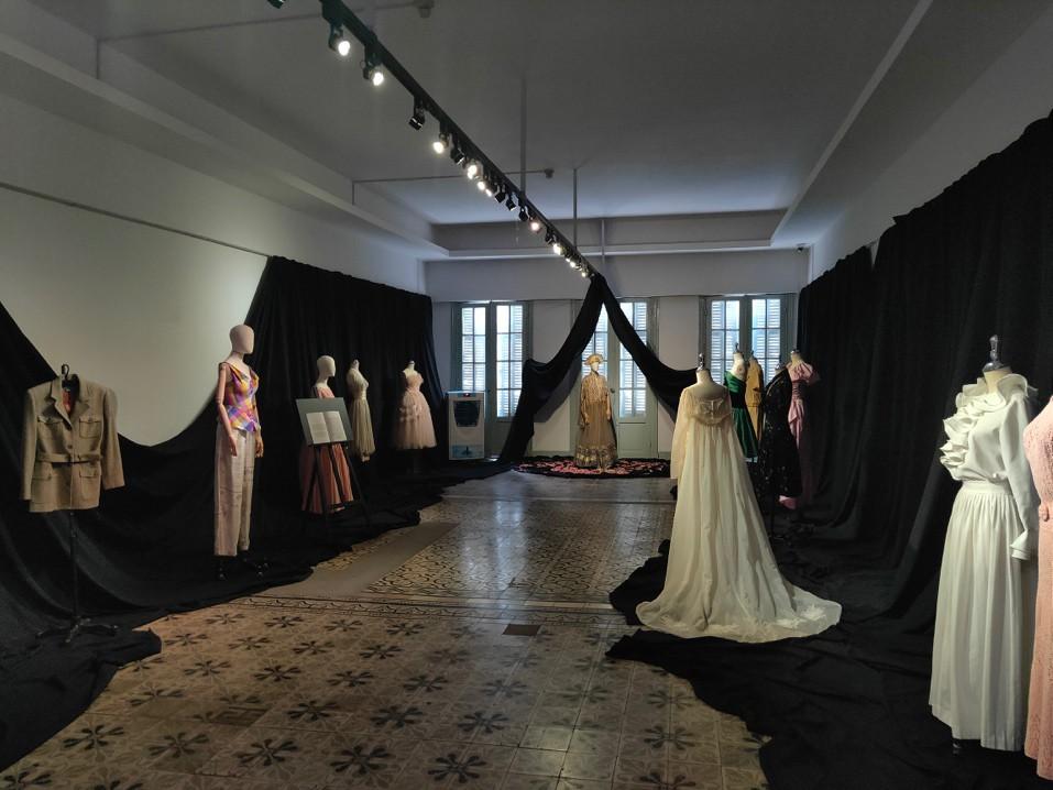 """Đột nhập không gian đậm chất lịch sử thời trang của triển lãm """"Beauty of Yesterday"""" - Ảnh 5."""
