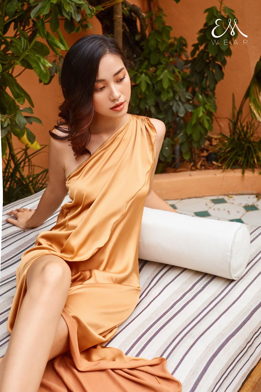 Tropical '19 Collection – Xu hướng váy lụa nhiệt đới cho những chuyến đi mùa hè - Ảnh 5.
