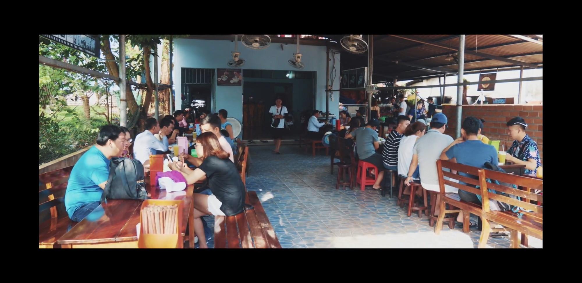 Bún Quậy Kiến Xây - món ăn nhất định phải thử khi đến Phú Quốc - Ảnh 2.