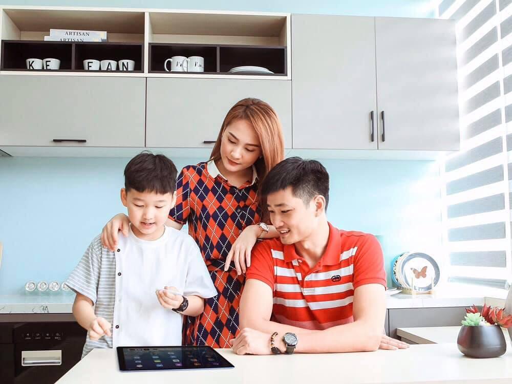 Giải pháp kết nối giữa cha mẹ và con cái trong thời đại số - Ảnh 1.