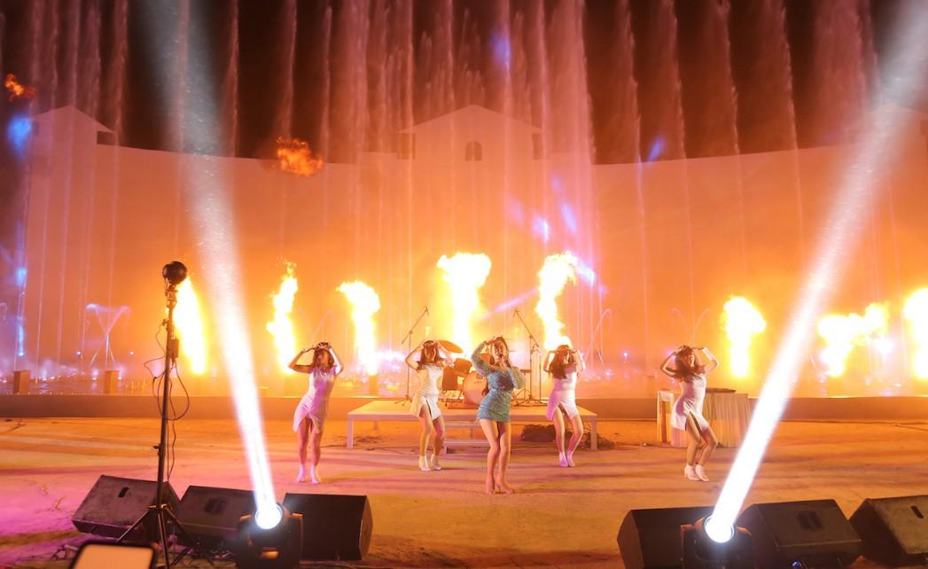 """Ngắm lại khoảnh khắc """"bùng nổ"""" của """"Bông hồng lai"""" Thái Lan trong chuỗi sự kiện IMC 11 năm - Ảnh 8."""